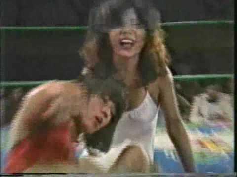 Rimi Yokota vs Mimi Hagiwara (AJW September 1980)