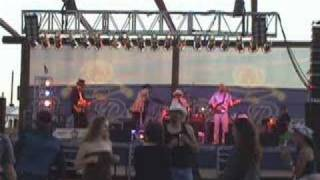 Thorn- The Wyatts @ Country Thunder 2008