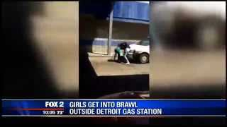Girls Fight at Detroit Gas Station