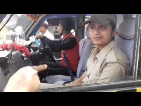 Dikhiye police Bali ki gaalti