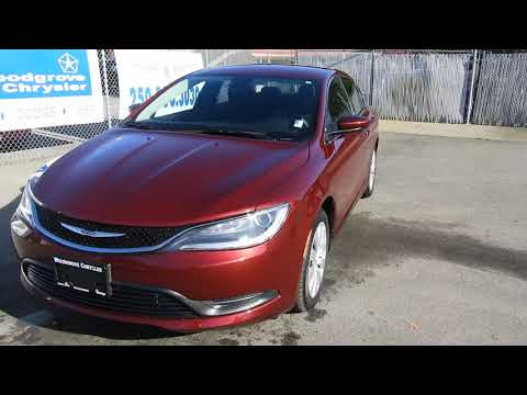 2015 Chrysler 200 LX No Accidents, Low Kilometers at Woodgrove Chrysler in Nanaimo!