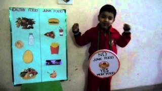 healthy food vs junk food in Show and tell Competition (2016)