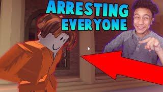 ARRESTING EVERYONE IN THE MUSEUM?! (Roblox Jailbreak)