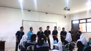 Goyang Oplosan ala Sayang Abah 2TS1 SMK Telkom Medan