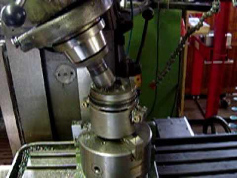 Tuningkolben für Golf auf Fräsmaschine bearbeiten