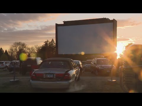 Crowds Fill Drive-in Theater On Opening Night In McHenry
