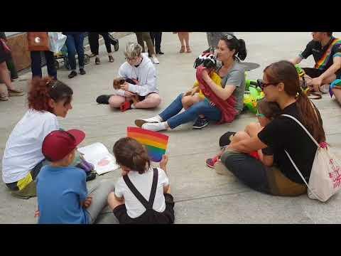 Vilalba celebra o Orgullo baixo a Pravia cos 'Contos Diversos'
