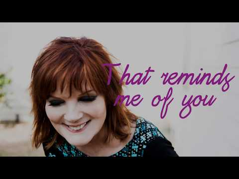 eileen-carey---anything-that-reminds-me-of-you-lyric-video
