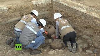 Trabajadores hallan cientos de objetos antiguos al instalar líneas de gas en Perú