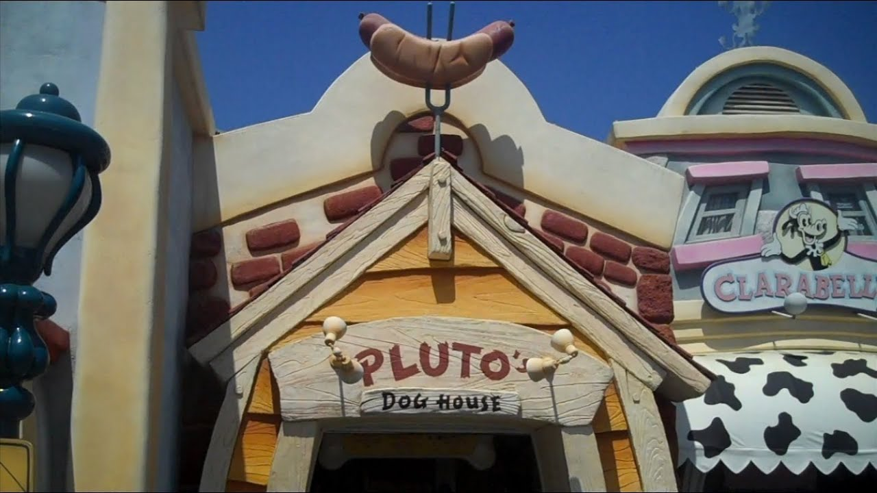 Mealtime At Disneyland Pluto S Doghouse Youtube