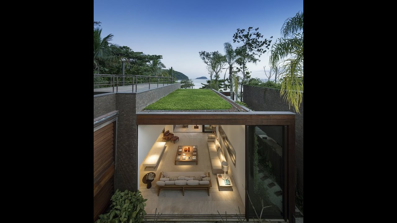 Vangoly Houses   Beautiful House Design In Front Of Beach In Brazil