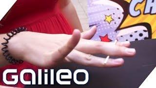 Das könnt ihr nicht! Streichholz mit drei Fingern zerbrechen | Galileo | ProSieben