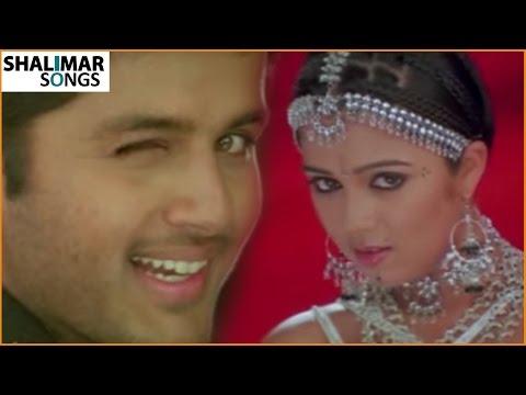 Avayi Tuvvayi Video Song    Sri Anjaneyam Movie    Charmi, Nithin    Shalimar Songs