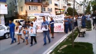 Gemlik Taksim Dayanışma İnisiyatifinden Taksim Şehitleri İçin Meşaleli Yürüyüş