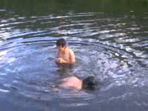 Hai nàng tiên nữ tắm hồ :X