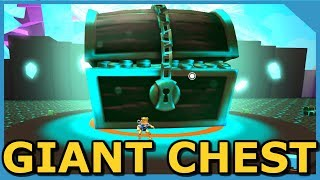 WHATS INSIDE THE GIANT CHEST IN ROBLOX PET SIMULATOR