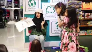 "Storytime with Teacher Yaya - ""We're Going On A Bear Hunt"""