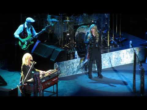 Fleetwood Mac - You Make Loving Fun, Chicago October 6, 2018