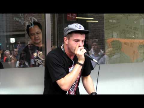 Great Beatbox Performace. Covent Garden London Street Music by MPFree beatboxer