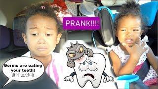 Mom Pranks Kids for eating too much candy!! (Cute Kids Reaction- Speaking Korean) 입안에 벌레 몰래카메라