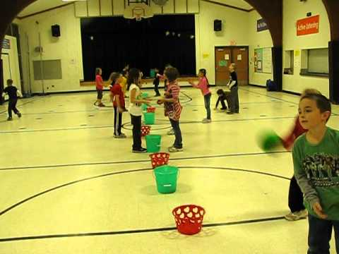 PE Catching and Throwing game - Catch Everything