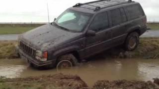 Fat Granny Jeep V8