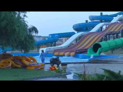 Аквапарк в Махачкале Акваленд Дети в Аквапарке Кафе где Сидят НА ПОЛУ