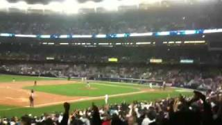FIELD LEVEL VIDEO - Derek Jeter Sets All Time Yankee Hit Record