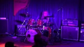 熊本のぺいあのPLUSでのファンキー末吉ひとりドラムの演奏 びっくりミル...