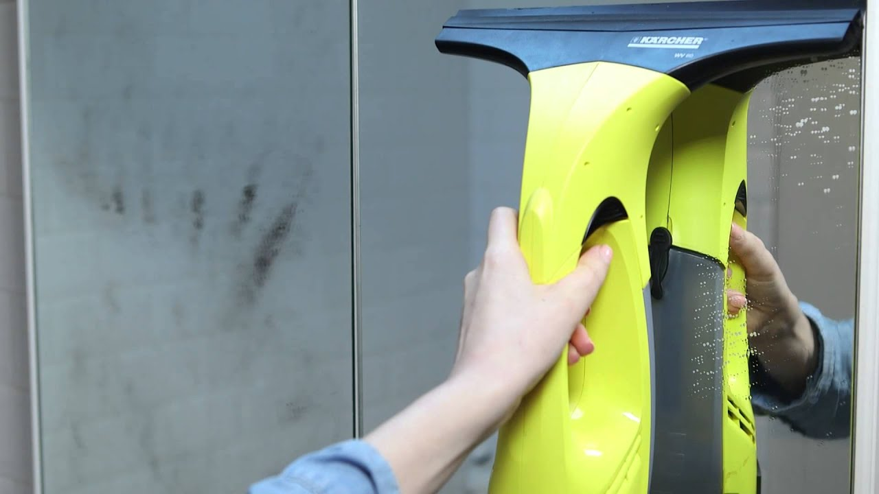 How To Clean Mirrors With The Kärcher Window Vac