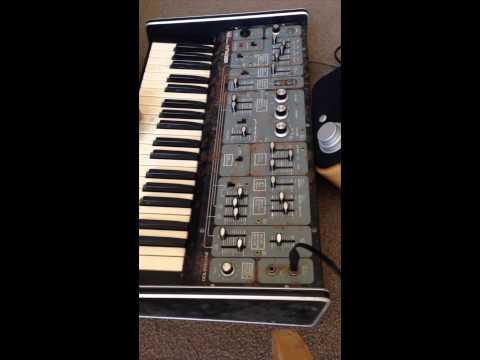 Roland System 100 Model 101 monophonic synthesiser