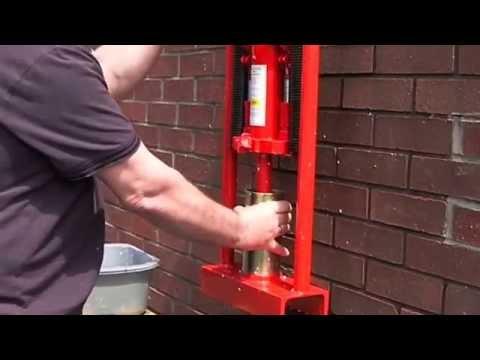видео: Пресс для топливных брикетов своими руками бесплатное отопление