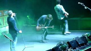 Watch Powderfinger DAF video