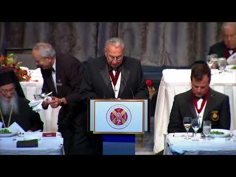 Emilia Kamvisi and Efstratios Valamios receive the Athenagoras Human Rights Award