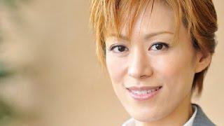 元宝塚の花組トップスター、蘭寿とむが、一般男性と結婚したことを発表...