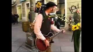 Уличный чудо музыкант(, 2013-07-25T20:54:59.000Z)