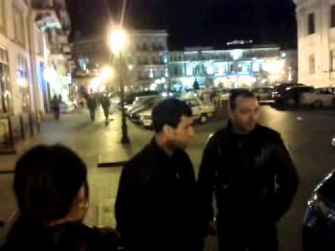 Олег Марков говорит с одесскими майдановцами у Дюка