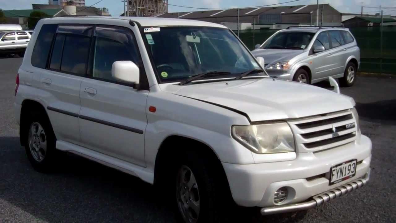 mitsubishi pajero io 2000