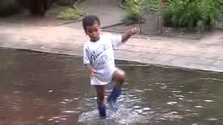 Water in de straat 2