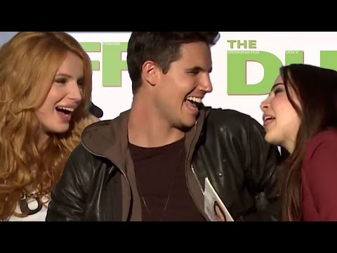 Bella Thorne's Pick-Up Lines to Robbie Amell & Mae Whitman! The DUFF Interviews