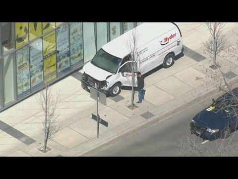 Van hits pedestrians in Toronto | ABC News special report