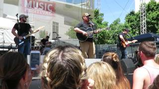 luke combs she got the best of me cma fest debut 2016