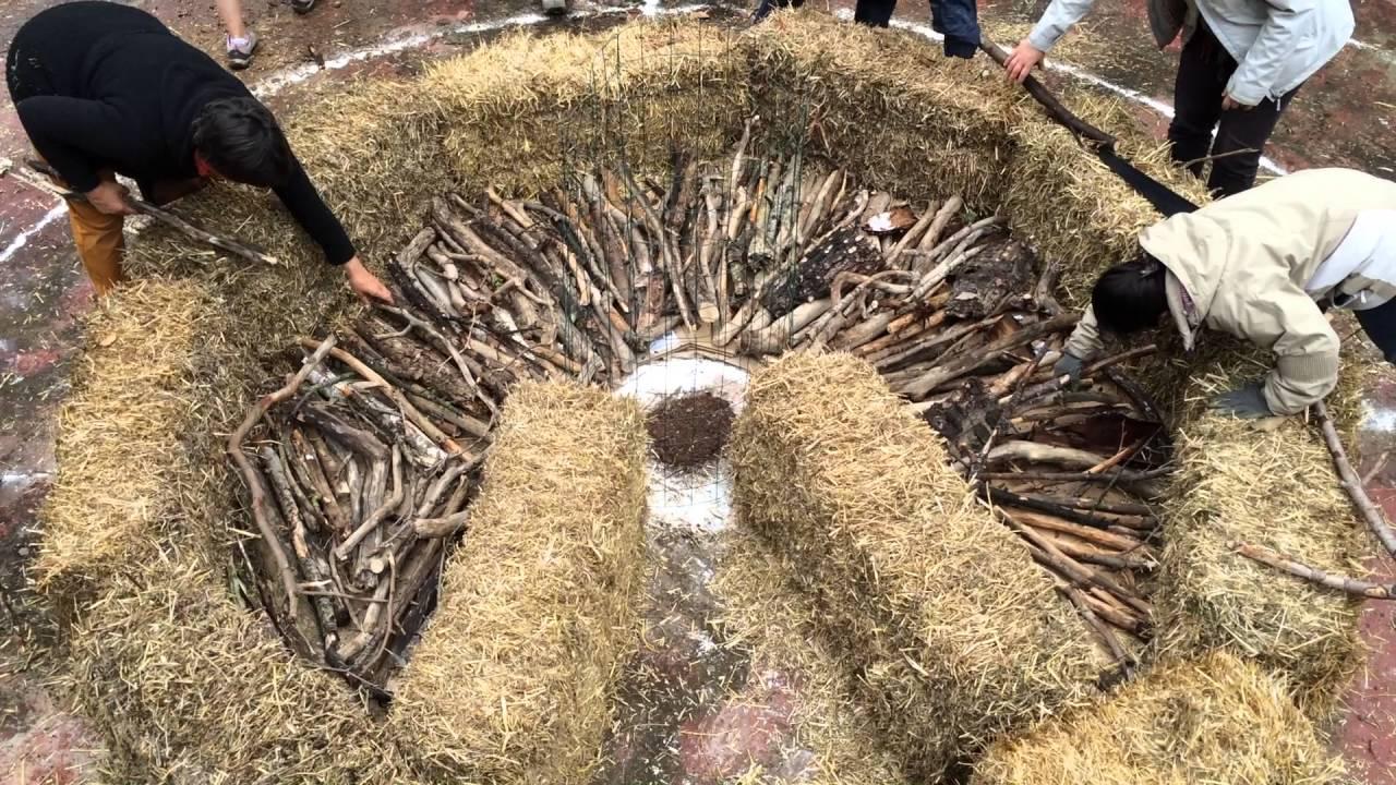 Jardin mandala de permaculture la pose des bois du for Jardin mandala