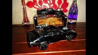 FORD FALCON V8 Mad Max 1:18 y 1:24/Greenlight