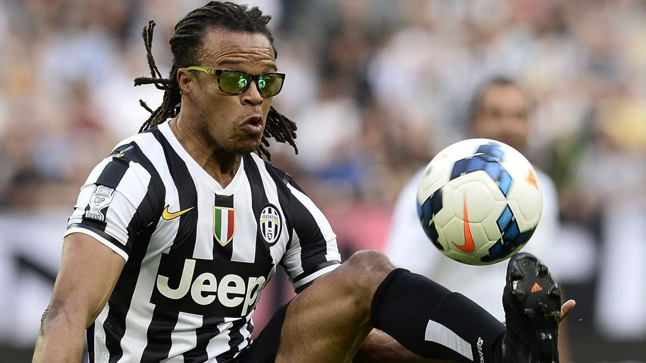 why did edgar davids wear goggles