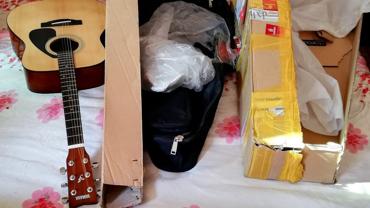 yamaha f310 acoustic guitar unboxing review youtube. Black Bedroom Furniture Sets. Home Design Ideas