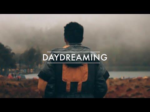 DAYDREAMING / MELAMUN