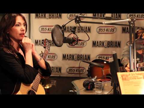 The Bangles - Breakfast With The Beatles with Chris Carter (January 8th, 2012 - part 5)