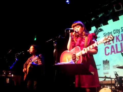 "Tomo Nakayama and Gudrid Hansdóttir performs ""Little Sister"" at Reykjavik Calling 2011"