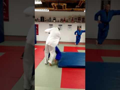 Judo throwing drill